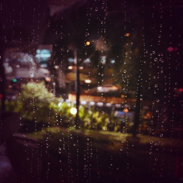 One fine #afternoon  #rain #droplet #Indonesia #jakarta #ig_masterpiece #ig_asia #vsco #instagood #spekology